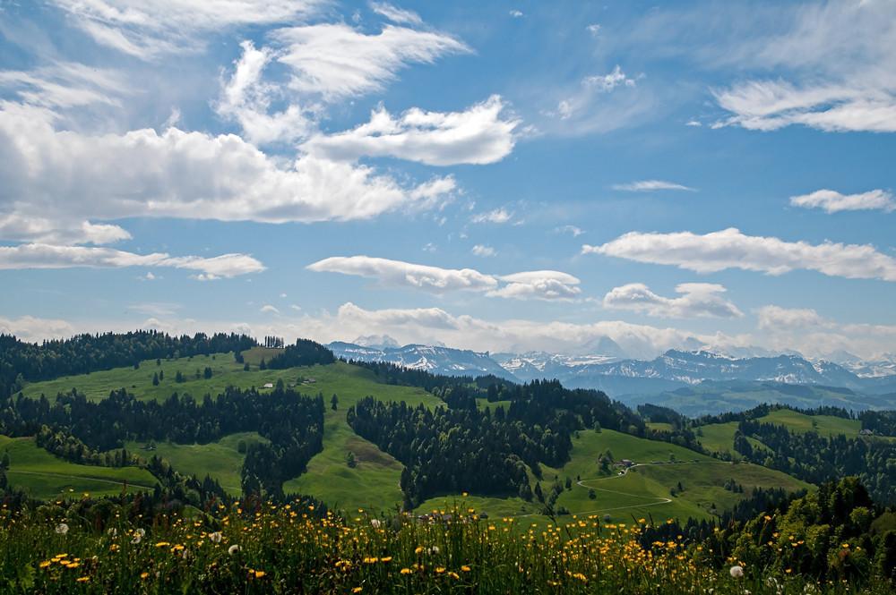 Föhnmauer über den Berner Alpen, Schweiz