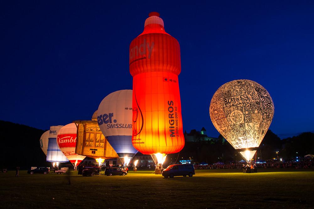 Die Ballone tanzen zur Musik von Vangelis. Night Glow zu Blauen Stunde. Schön war's, danke!