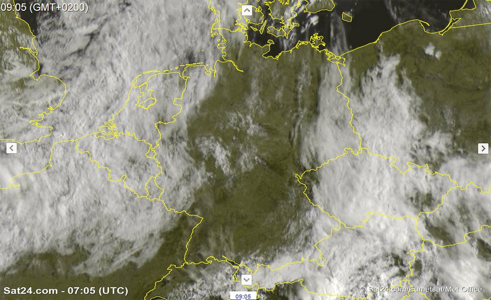 Sieben Wochen Sonnenschein in weiten Teilen Deutschlands, sieben Wochen Regen in Österreich? Jeder vernünftige Mensch merkt, dass dies dummes Zeug ist...