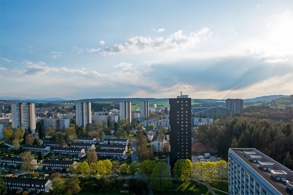 Die Gewittersaison begann auch in diesem Jahr früh: Am 11. April ging es in Bern bereits los. Hier die Stimmung danach.